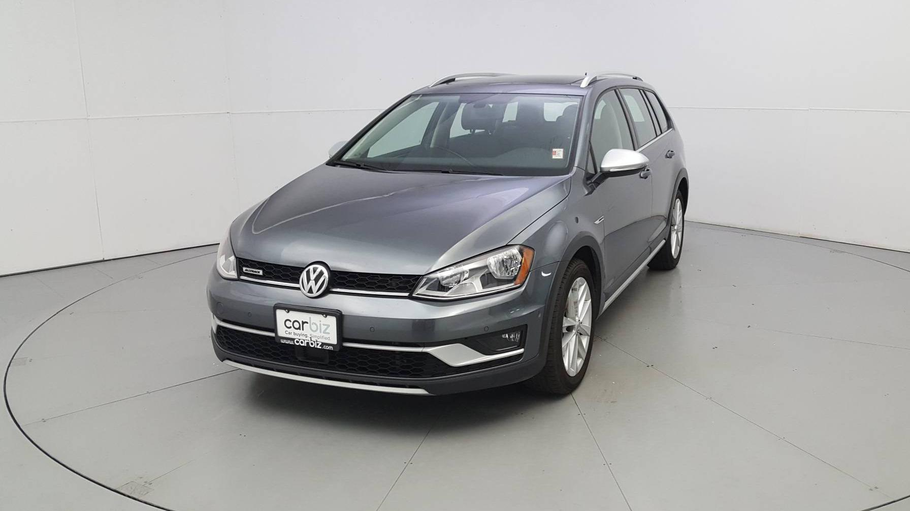 Certified Pre-Owned 2017 Volkswagen Golf Alltrack SE